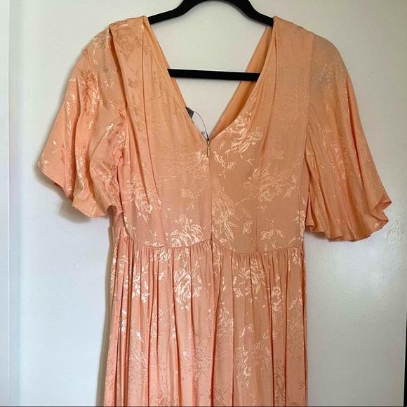 NEW!! ASOS PEACH FLUTTER SLEEVE MATERNITY DRESS